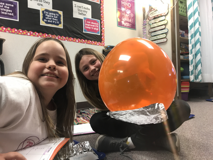 Mrs. Anderson's third graders experimenting with static electricity!