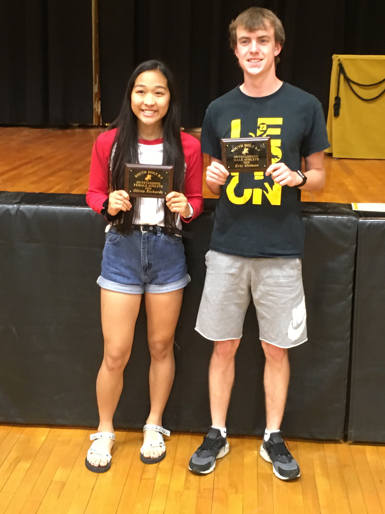 Congratulations to Olivia Richards for being awarded the Outstanding Female Athlete Plaque for 2019-2020 and Eric Ottman for being awarded the Outstanding Male Athlete for 2018-2019