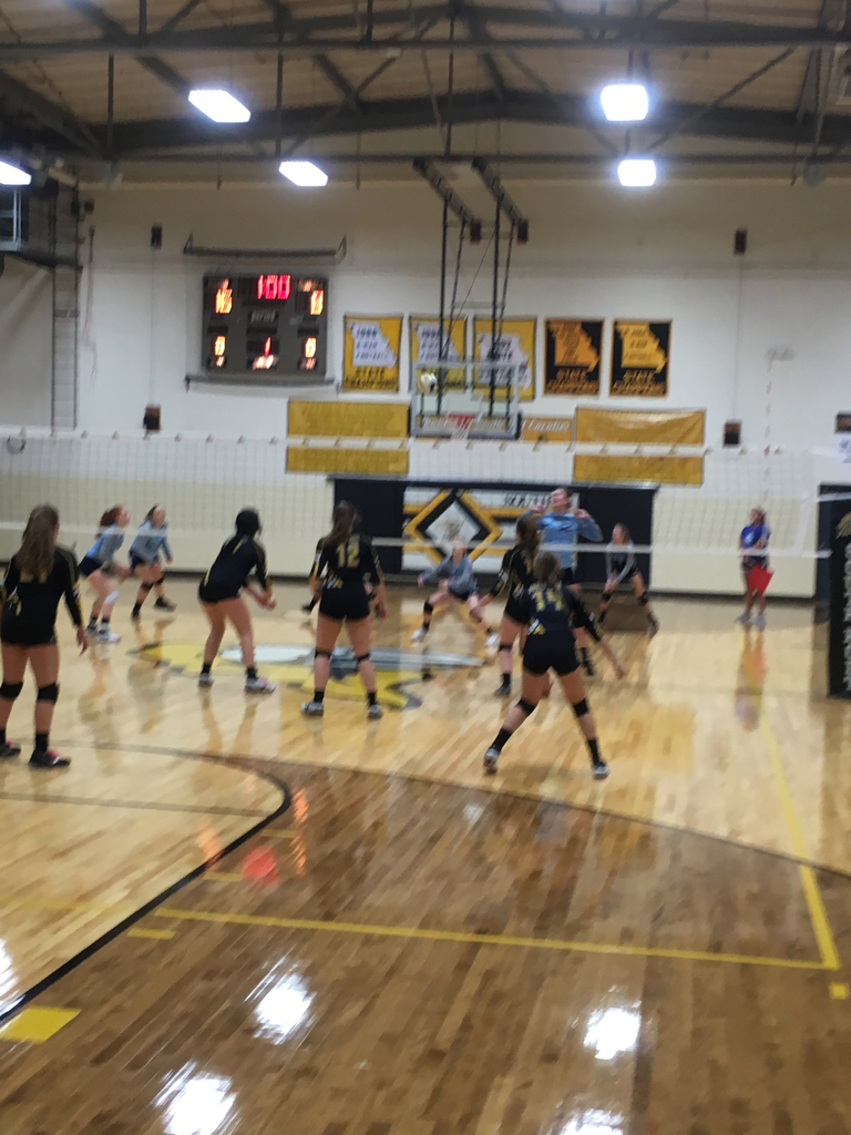 South Holt varsity VB wins first set vs West Nodaway tonight 25-12